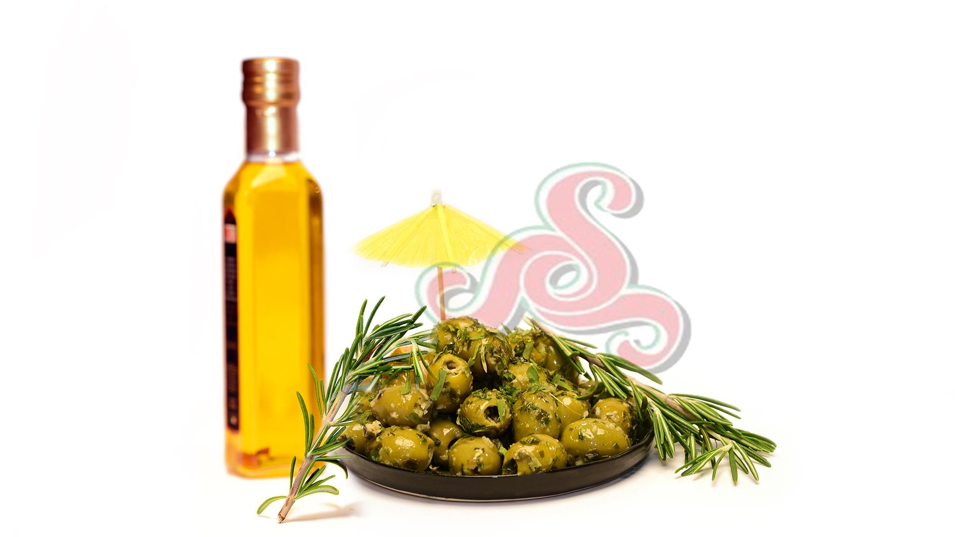 Eingelegte griechische grüne Oliven Ohne Kern