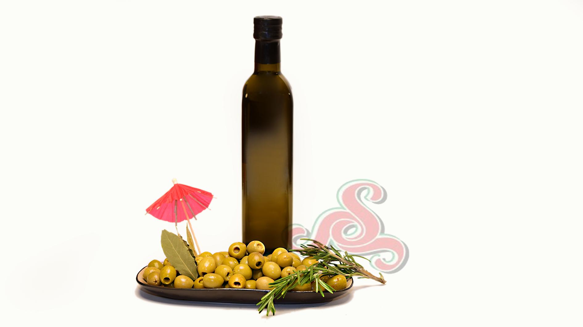 Mit Sardellen  gefüllte spanische grüne Oliven