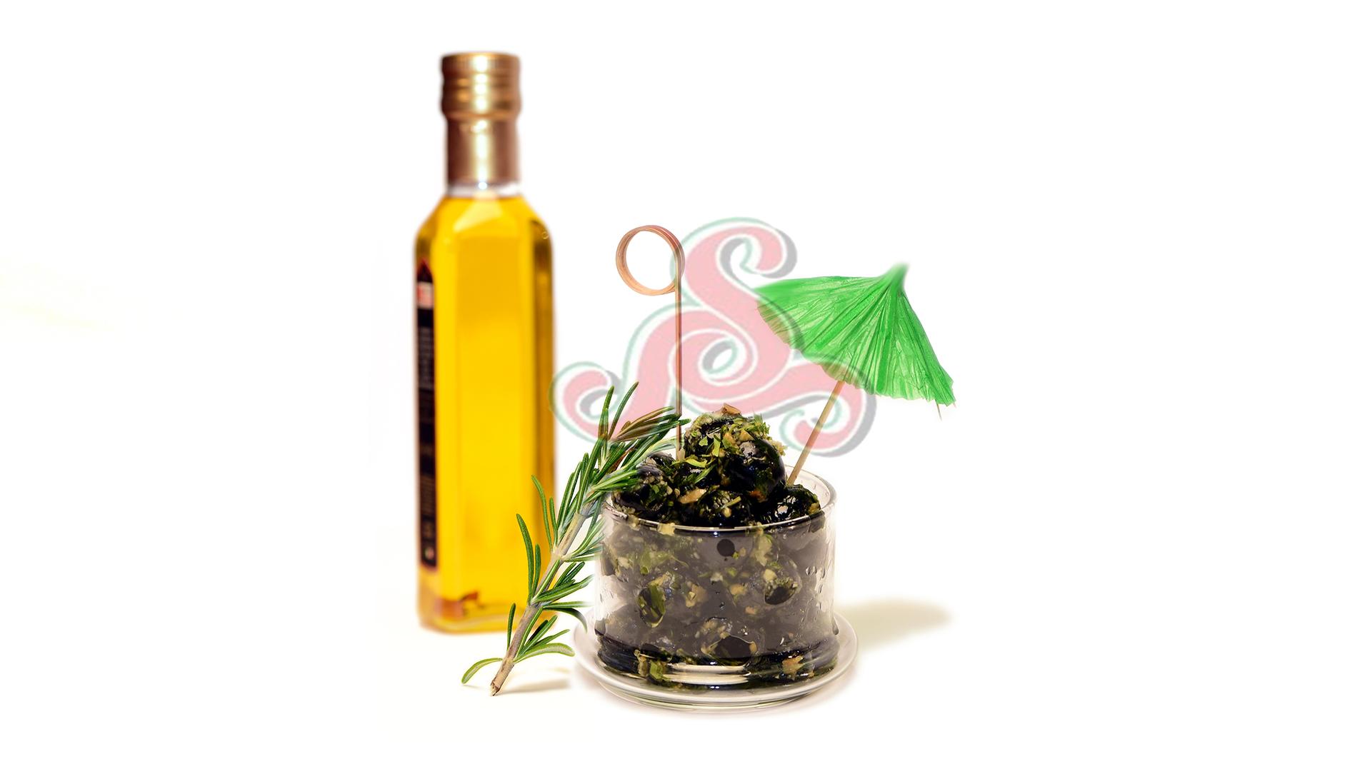 Eingelegte spanische schwarze Oliven Ohne Kern