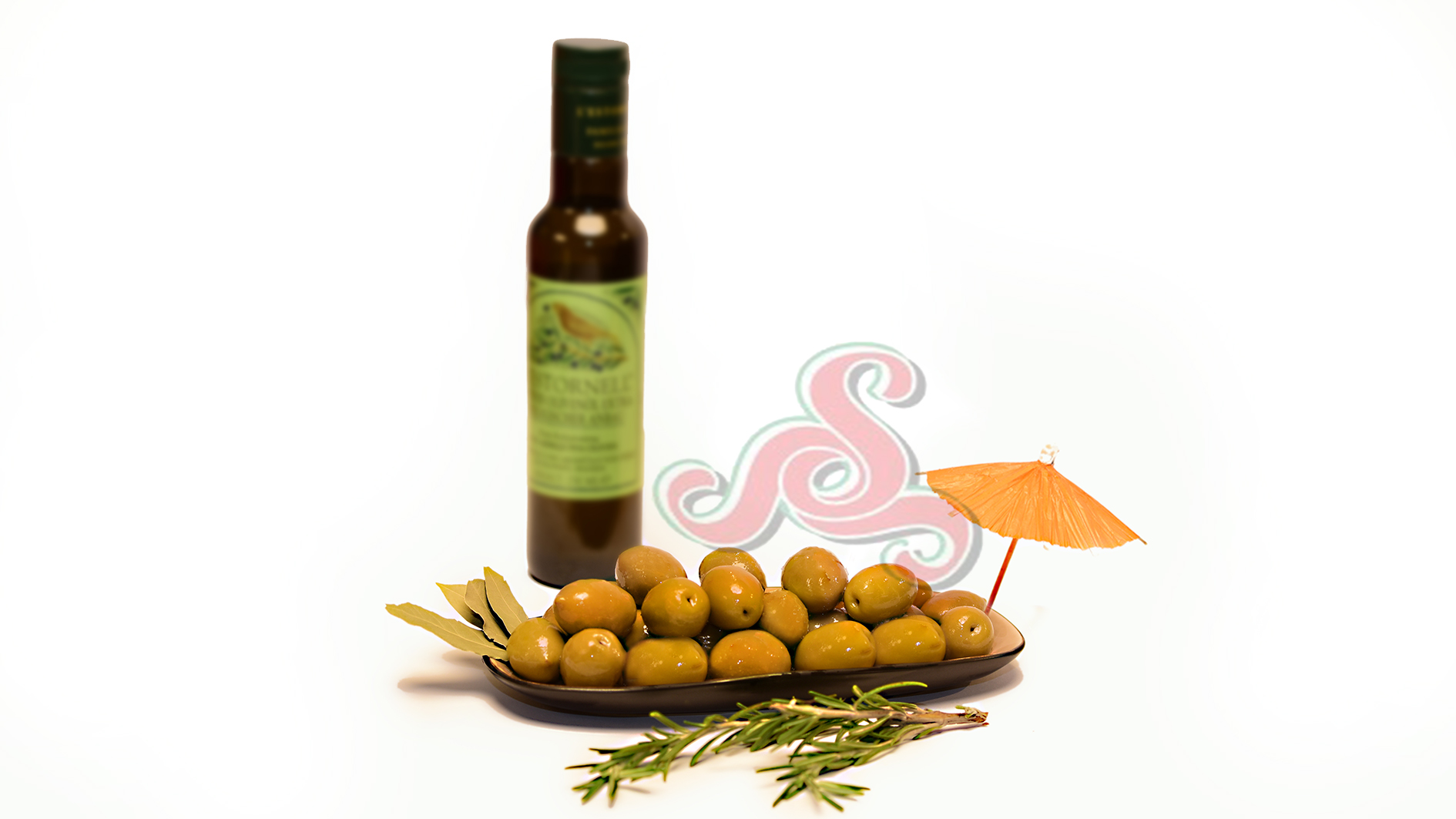 Griechische grüne Oliven mit Kern